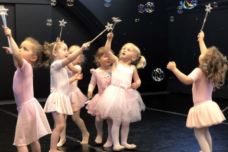 ballet-lessons-with-bubbles-and-wands